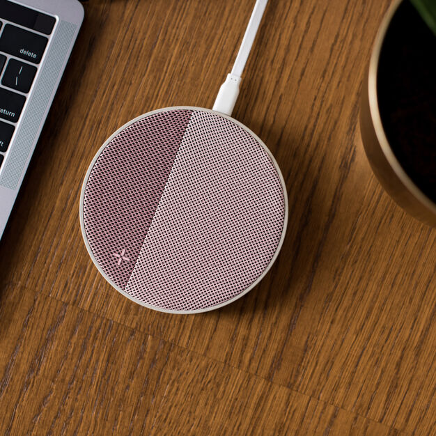 Lexon Oslo Energy Wireless Charging Station in color Pink