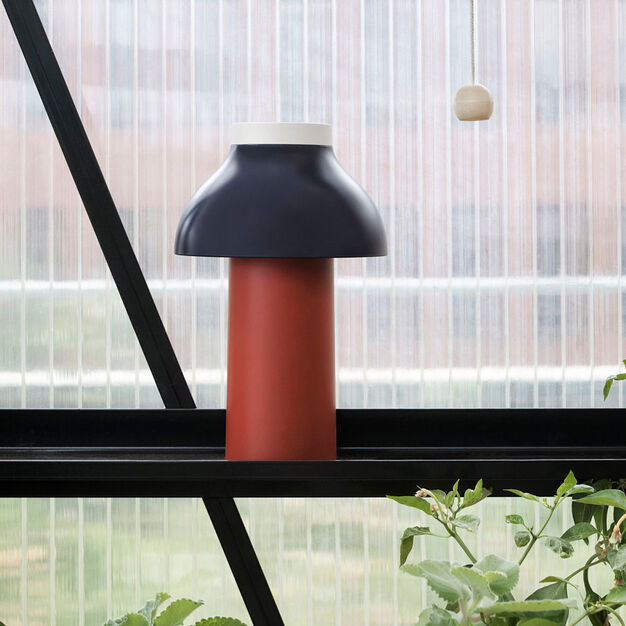 HAY PC Portable Lamp in color Dusty Red