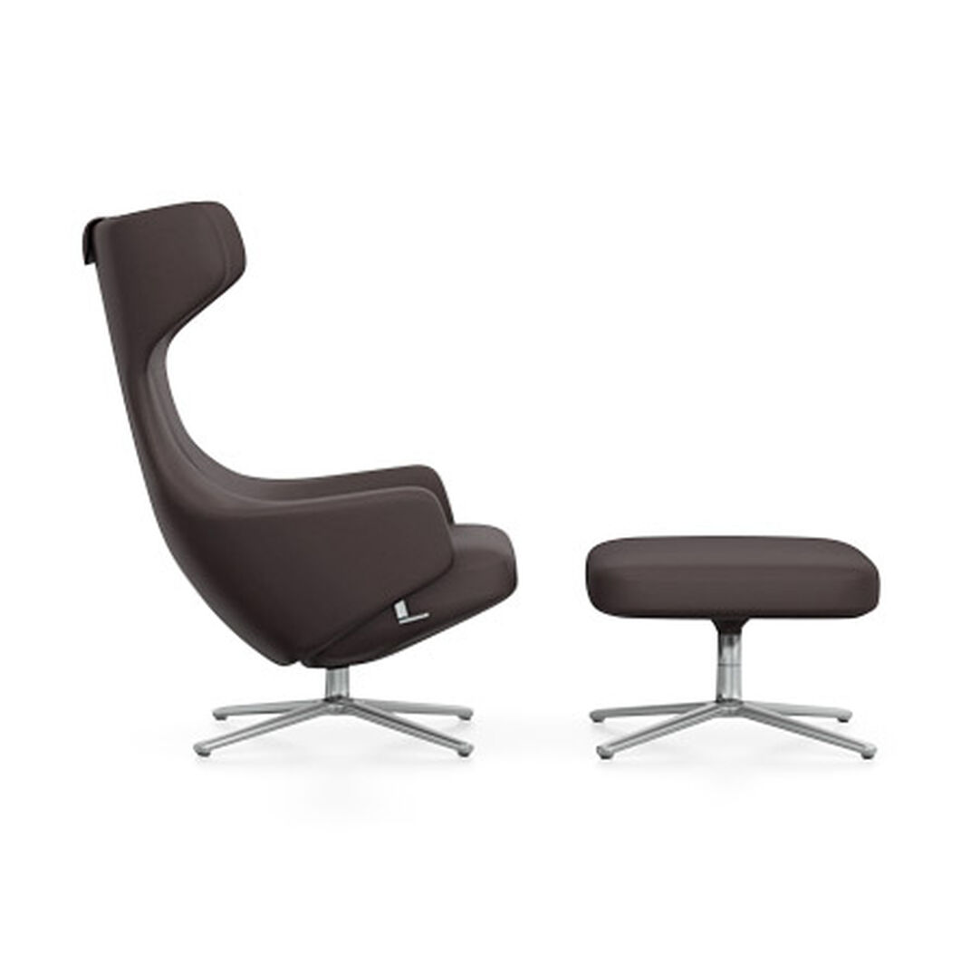 Grand Repos Leather Wing Chair & Ottoman in color