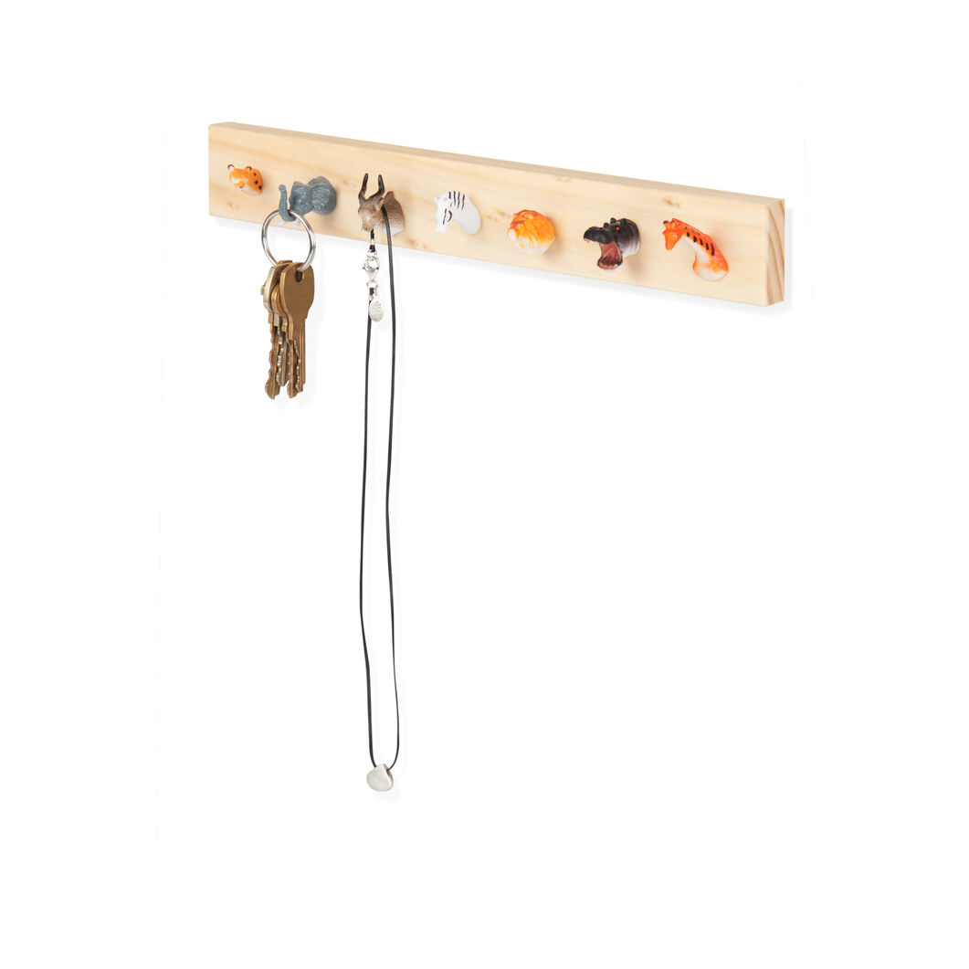 Animal Jewelry Rack in color