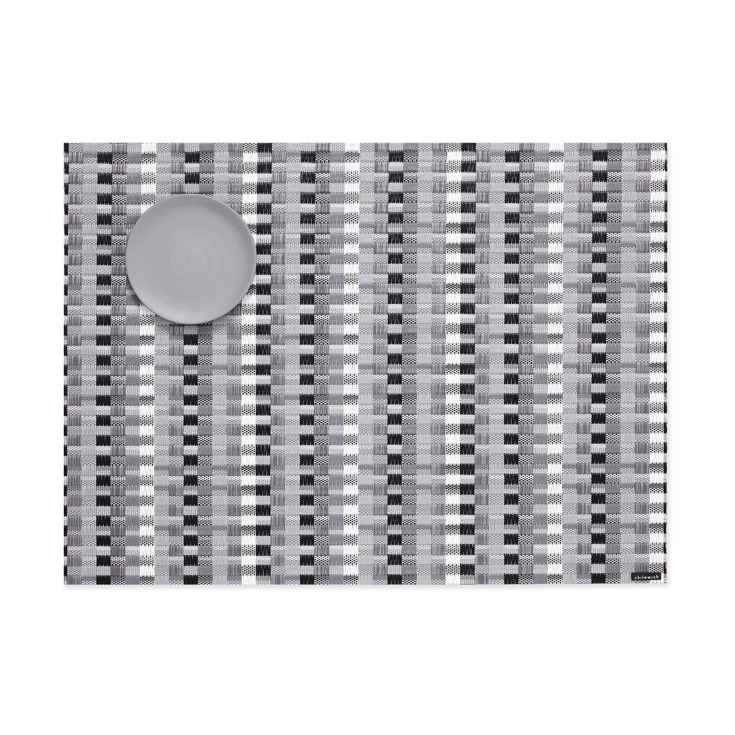 Chilewich Heddle Placemat in color Black/ White
