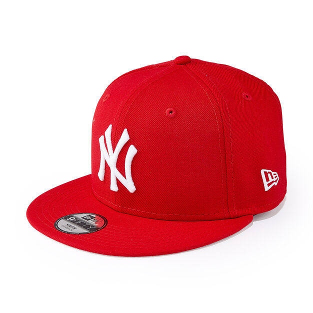 Kids' MoMA NY Yankees Cap in color Red