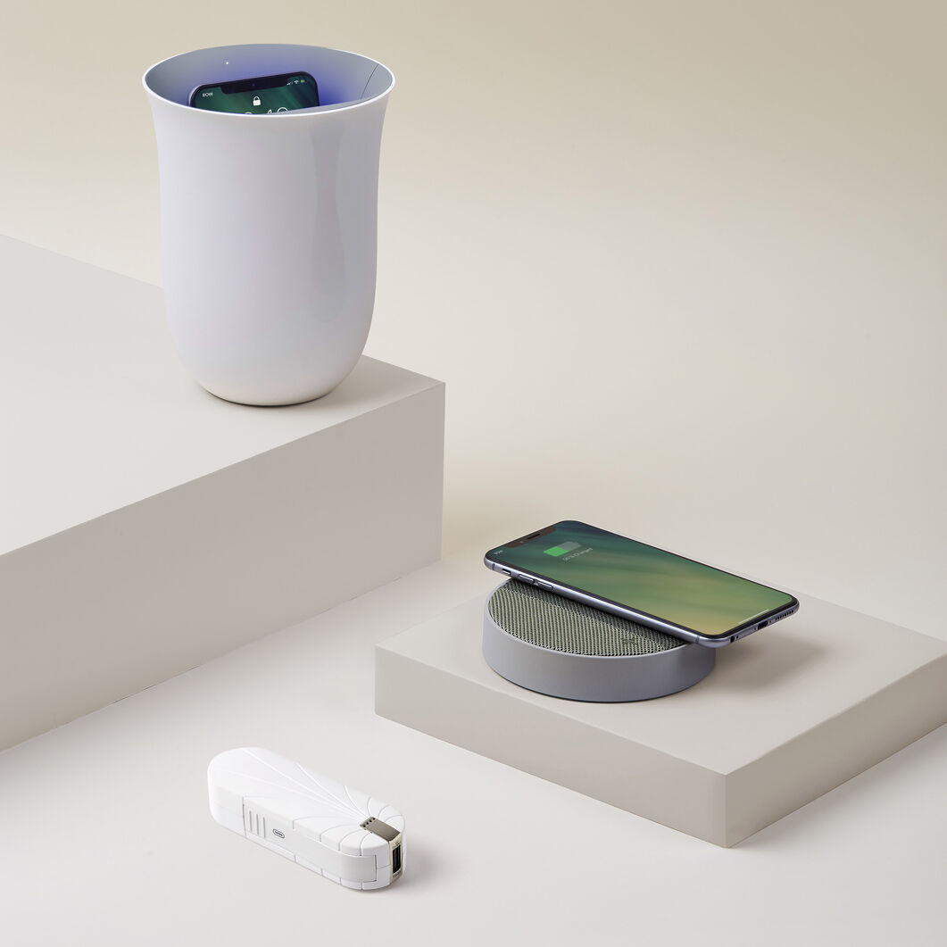 Lexon Oblio Wireless Charging Station & UV Sanitizer in color White