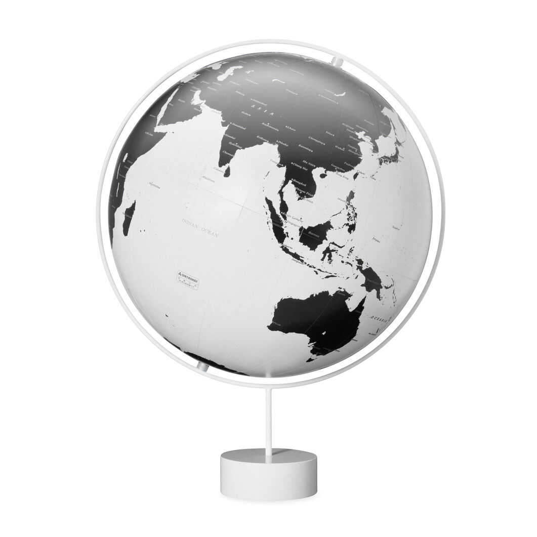Corona Globes in color White
