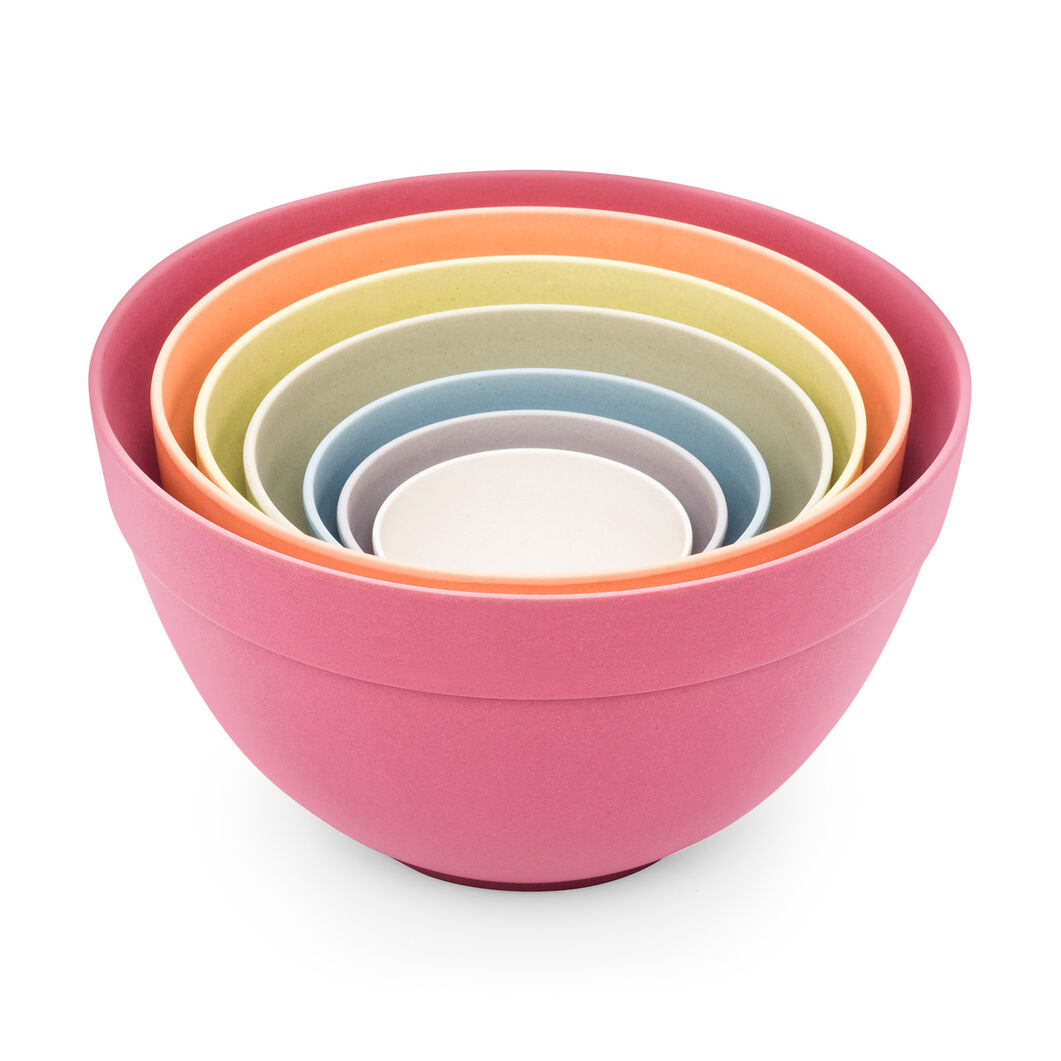 Pastel Nesting Bowls in color
