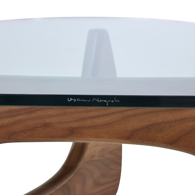 Noguchi Coffee Table in color Transparent/ Walnut