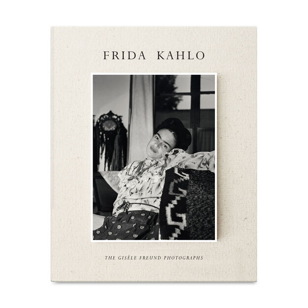 Frida Kahlo: The Gisèle Freund Photographs in color