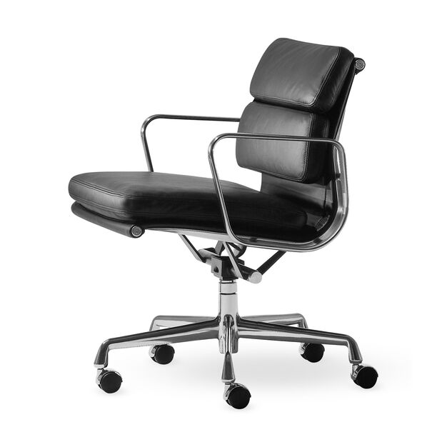 Eames® Soft Pad Management Chair in color