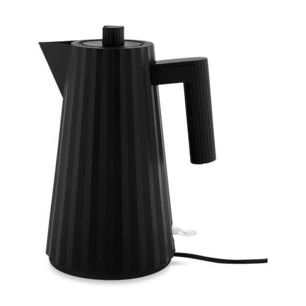 Plissé Electric Kettle in color