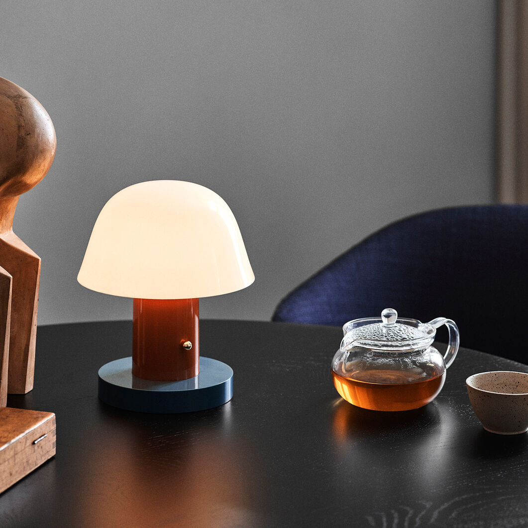 Setago Portable Table Lamp in color Rust/ Thunder