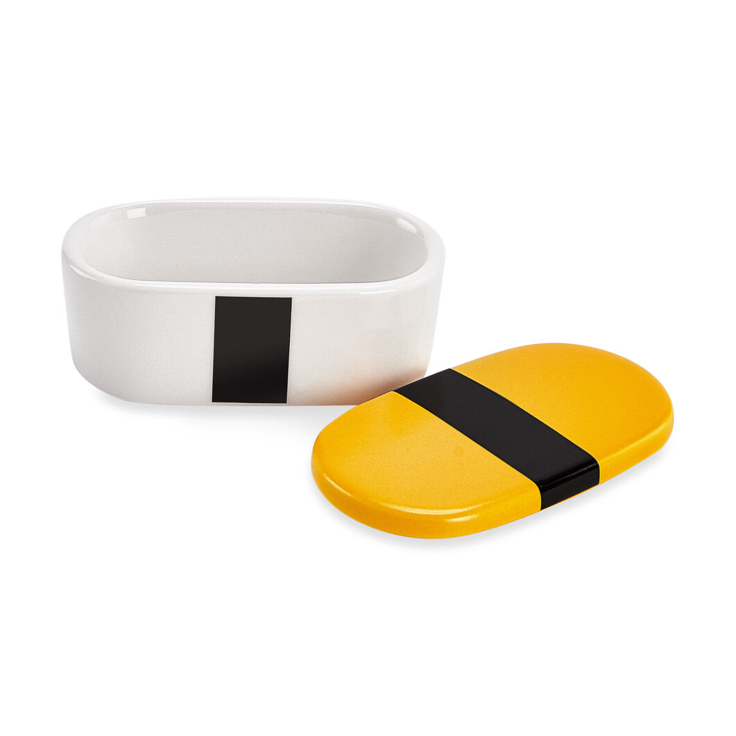Sushi Sauce Bowls & Chopstick Rests in color Egg