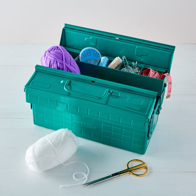 Toyo ST-350 Tool Box in color Green