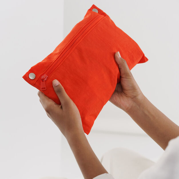 Baggu Travel Cloud Bag in color Burnt Orange