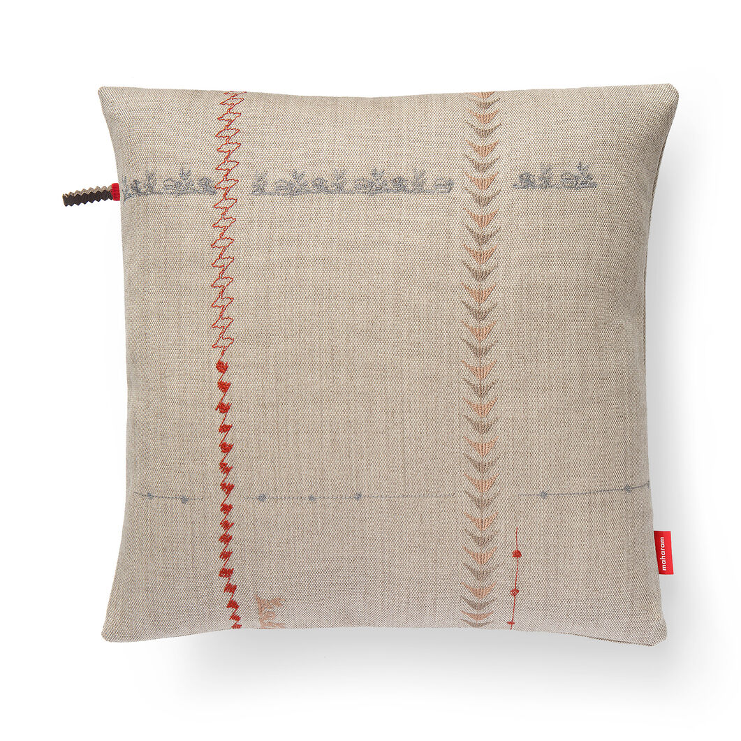 Borders Pillow - Natural in color