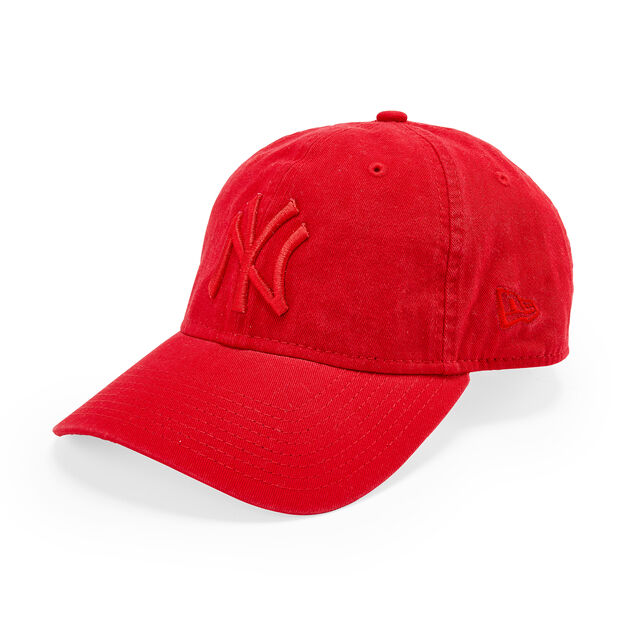 NY Yankees Pride Hat in color Red