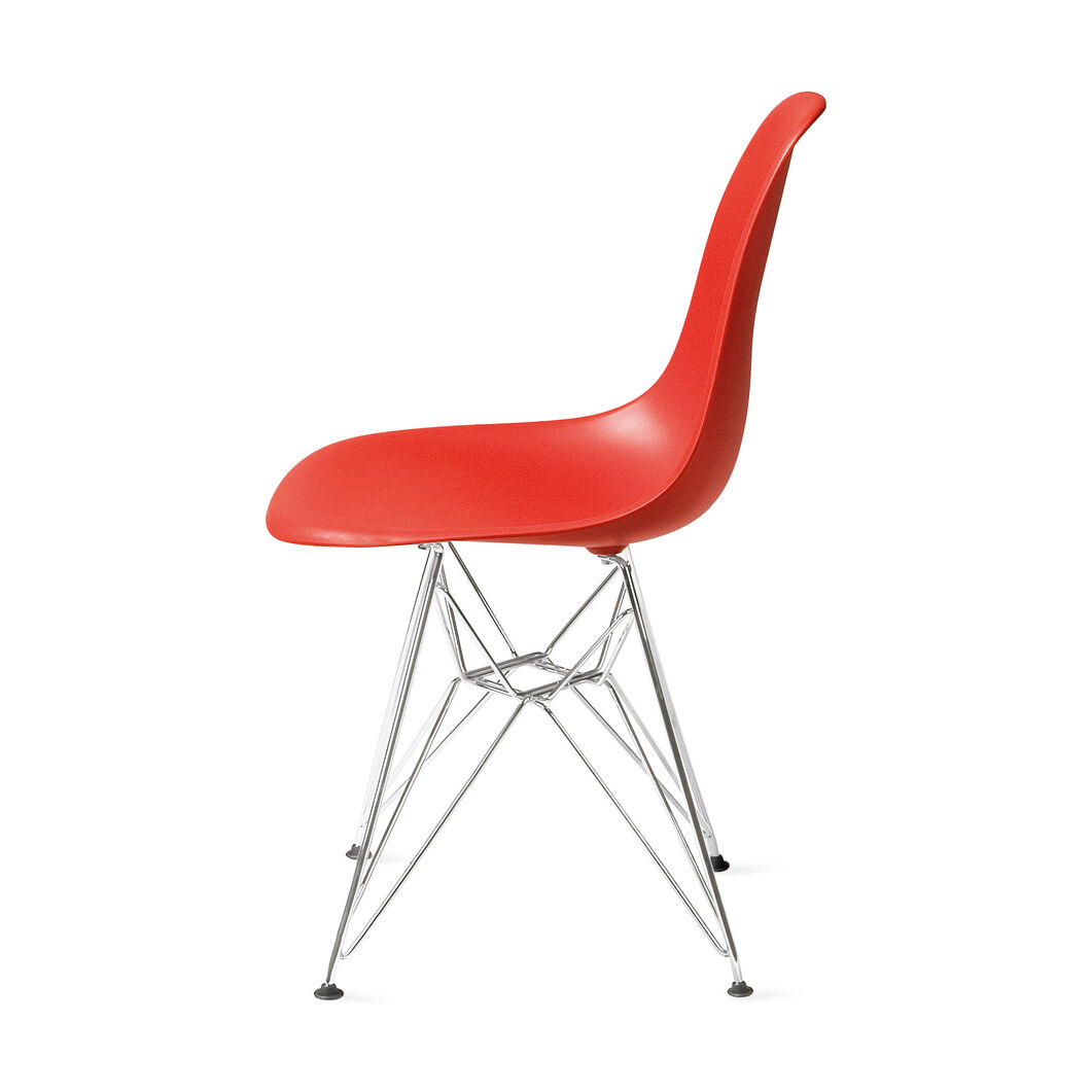 Eames® Molded Plastic Side Chair with Wire Base (DSR) in color Red