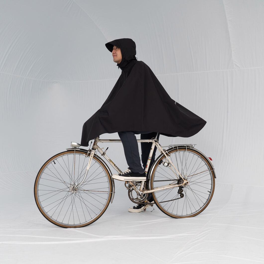 Cleverhood Rover Bicycle Rain Cape in color Black