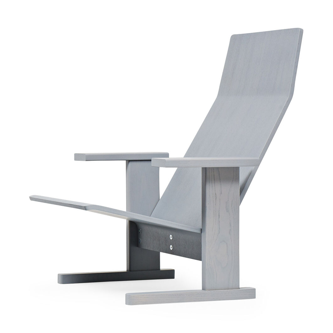 Quindici Lounge Chair in color Gray/ Wood