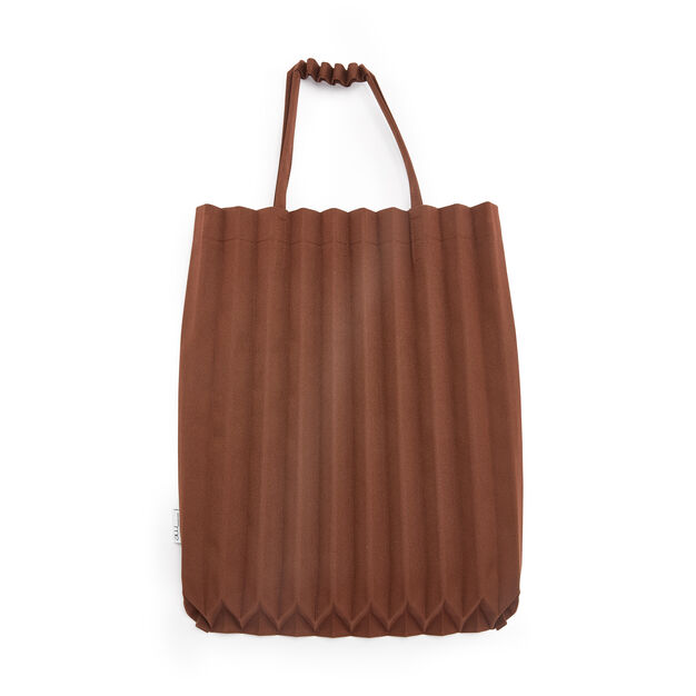 me ISSEY MIYAKE Trunk Pleats Bag in color Brick Brown