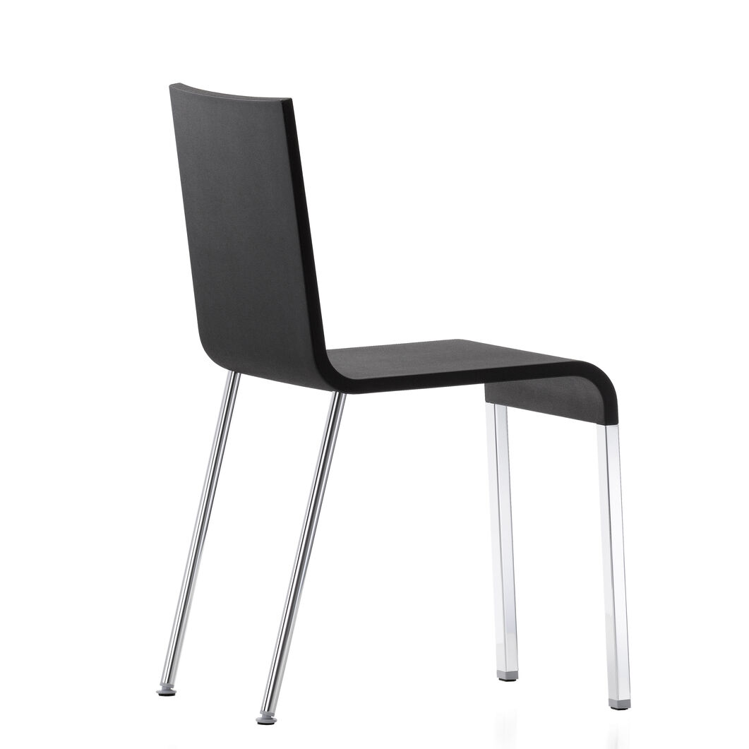 .03 Stacking Chair in color Black