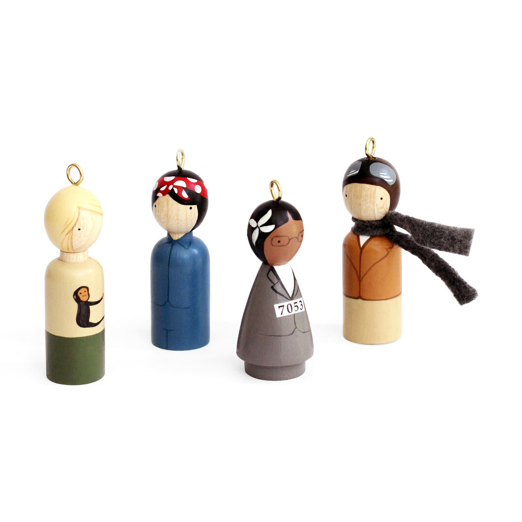 Modern Women Ornaments Set in color