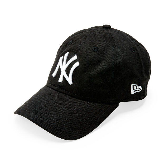 NY Yankees Cap in color Black