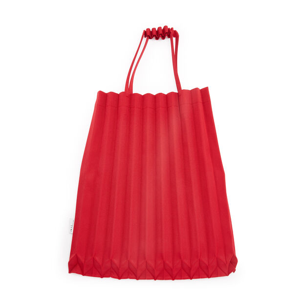 me ISSEY MIYAKE Trunk Pleats Bag in color Cherry Red