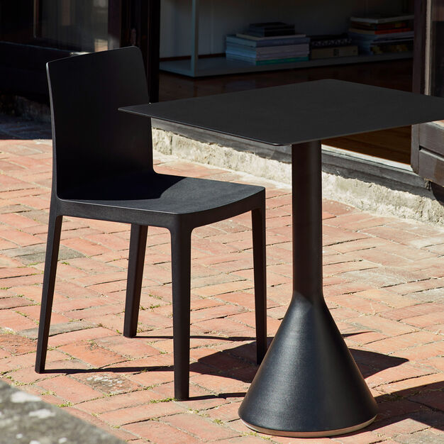 HAY Élémentaire Chairs in color Anthracite