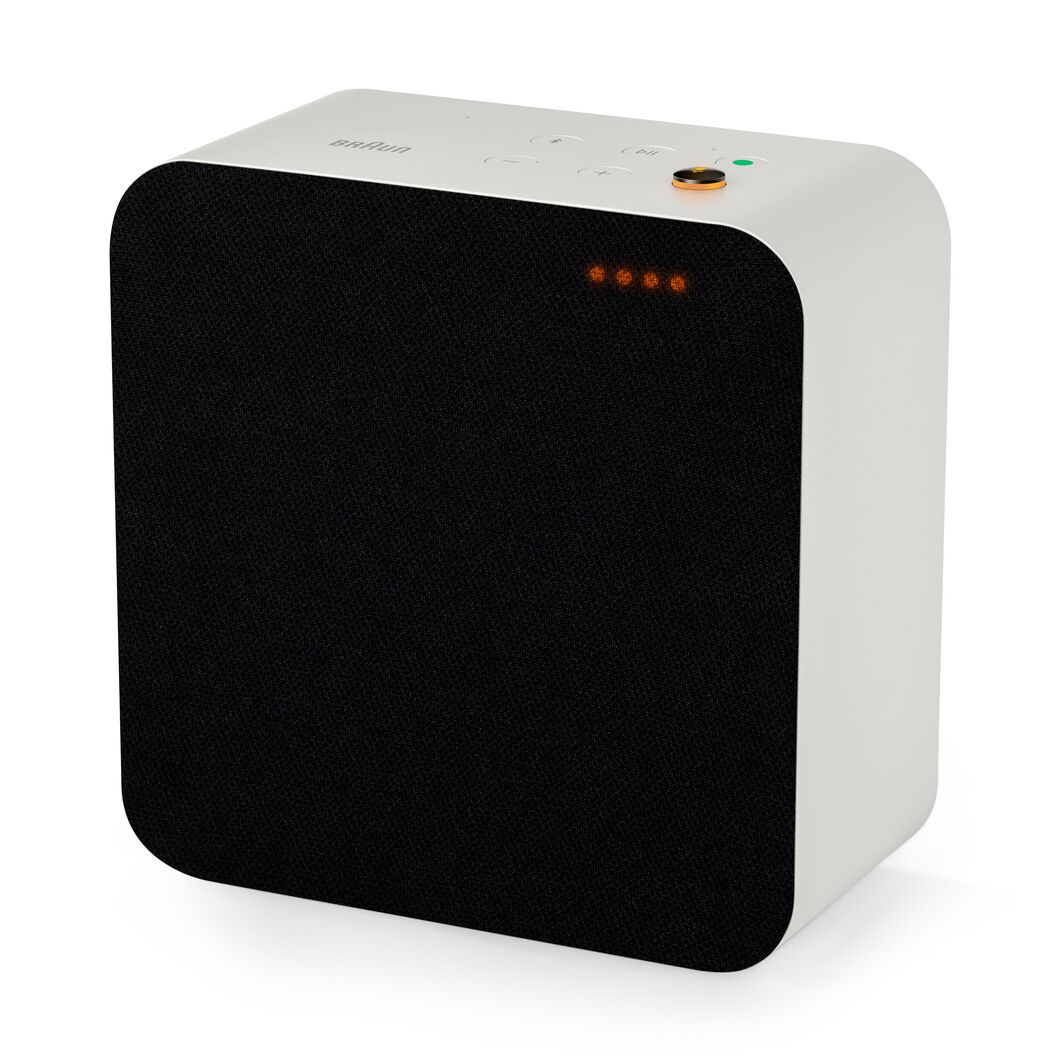 Braun Audio LE Wireless Speaker in color White/ Black