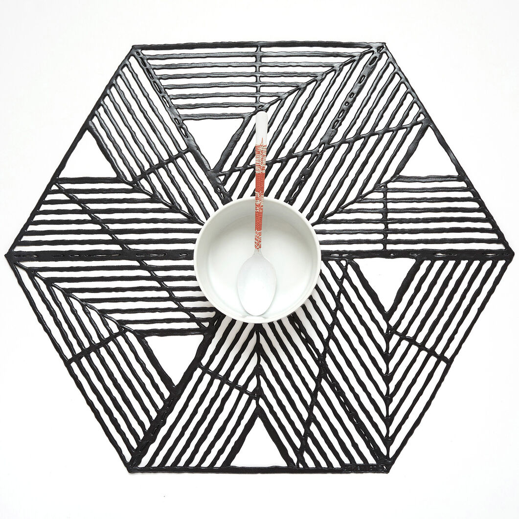 Chilewich Pinwheel Placemat in color Black