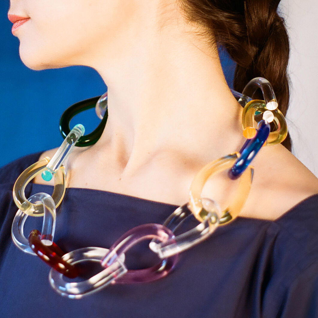 Twist Lucite Necklace in color Multicolor
