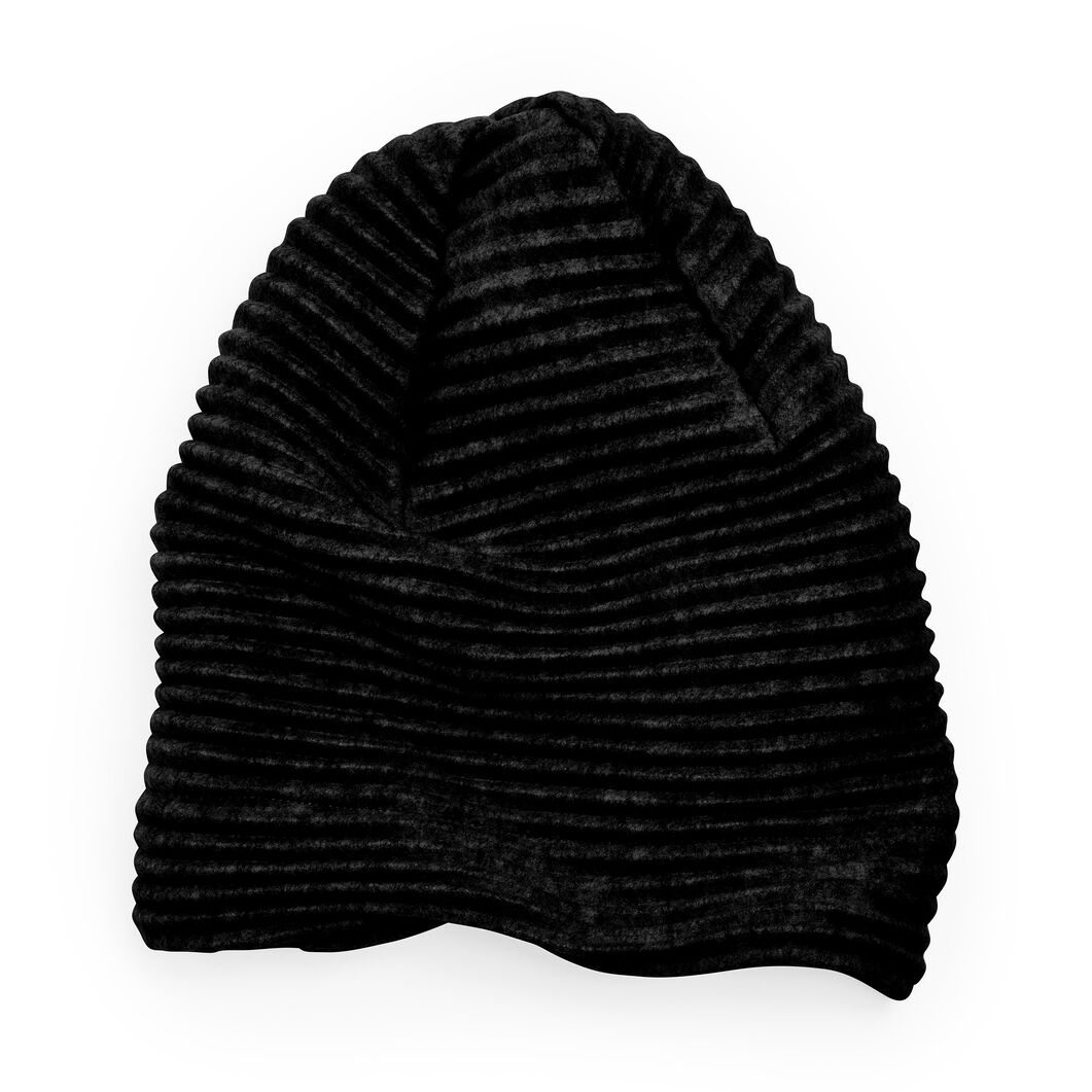 Fleece Beanie in color Black
