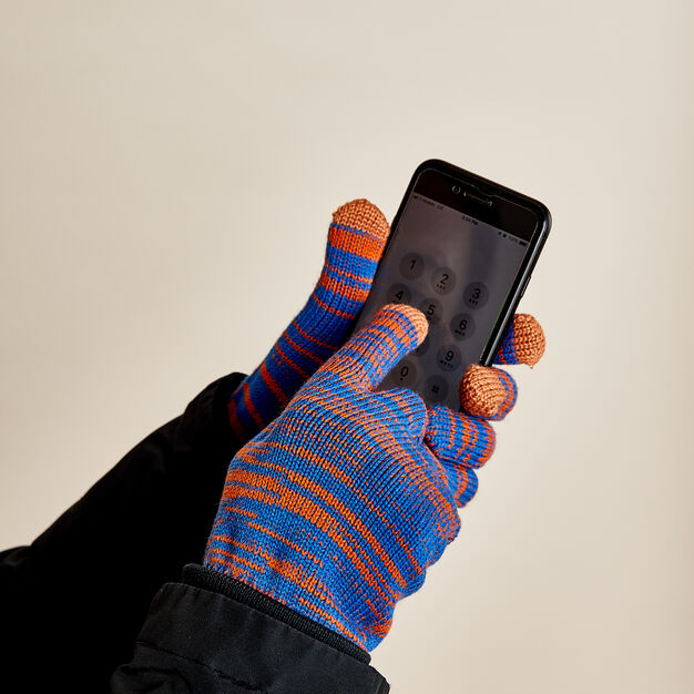 Twist Touchscreen Gloves in color