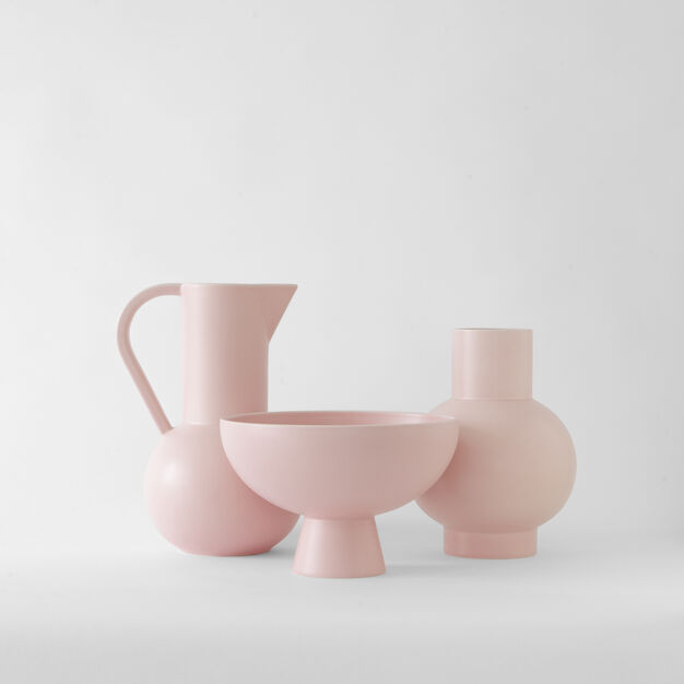 Raawii Strøm Jug in color Coral Blush