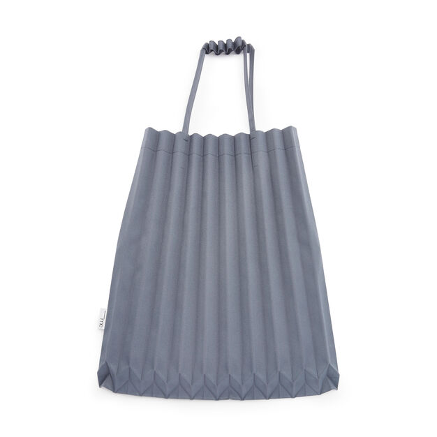 me ISSEY MIYAKE Trunk Pleats Bag in color Gray